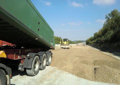Lieferung der Schottertragschicht unter Beton (STSuB)